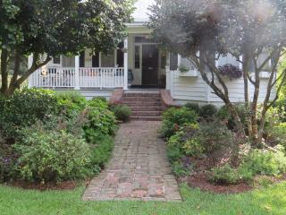 Comfortable 1 bedroom Bed and Breakfast in Summerville - Summerville vacation rentals