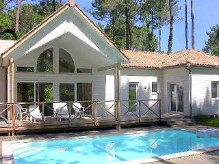 4 bedroom Villa in Biscarosse, Les Landes, France : ref 2299536 - Biscarrosse vacation rentals