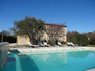 4 bedroom Villa in La Roque sur Pernes, Provence, France : ref 2300804 - La Roque sur Pernes vacation rentals