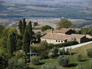 6 bedroom Villa in Sarteano, Tuscany, Italy : ref 2301469 - Sarteano vacation rentals