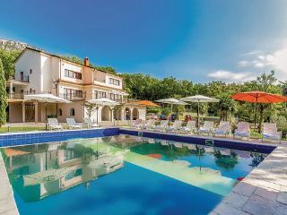 6 bedroom Villa in Novi Vinodolski, Novi Vinodolski, Croatia : ref 2302771 - Novi Vinodolski vacation rentals