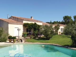 4 bedroom Villa in Boulbon, Bouches Du Rhone, France : ref 2303504 - Boulbon vacation rentals