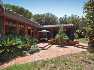 8 bedroom Villa in Punta Ala, Maremma / Monte Argentario, Italy : ref 2303749 - Punta Ala vacation rentals