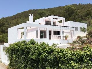 Villa in Ibiza ciudad, Ibiza, Ibiza - Sant Miquel De Balansat vacation rentals