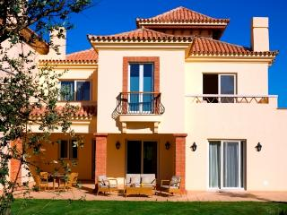 2 bedroom Villa in Vila Nova de Cacel, Algarve, Portugal : ref 2307465 - Vila Nova de Cacela vacation rentals