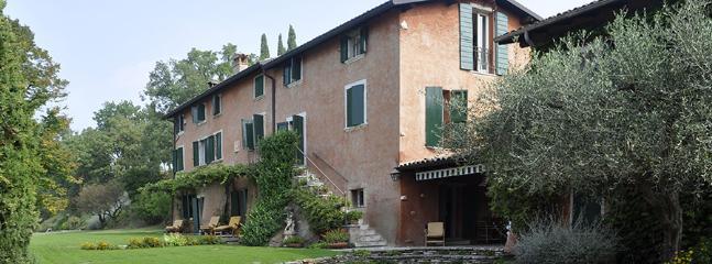 6 bedroom Villa in Corte Capitani, Lake Garda, Italy : ref 2307537 - Image 1 - Bardolino - rentals