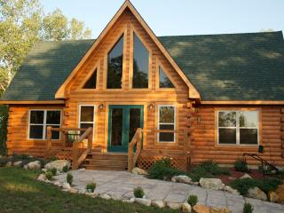 Nice Lodge with Internet Access and Dishwasher - Marceline vacation rentals