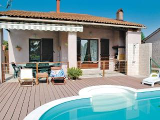 3 bedroom Villa in Venzolasca, Corsica, France : ref 2089580 - Sorbo-Ocagnano vacation rentals
