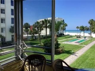 Beautifully maintained condo on the Gulf - 12 North - Siesta Key vacation rentals
