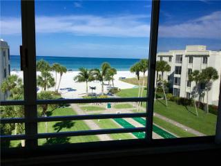 Beautifully maintained 2BR 2B on the best beach - 15 South - Siesta Key vacation rentals