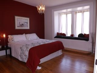 Le Souvenir, Luxury Downtown Condo with terasse - Montreal vacation rentals