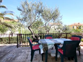 Romantic 1 bedroom Supetar Condo with Internet Access - Supetar vacation rentals