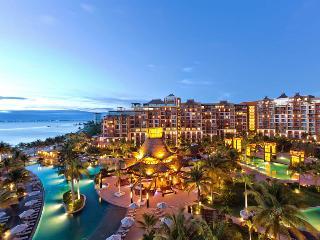 Villa Del Palmar Cancun One Bedroom Suite Sleeps 4 - Playa Mujeres vacation rentals