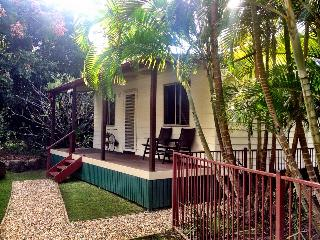 Frangipani Cottage - Gold Coast Valley Getaway - Tallebudgera vacation rentals
