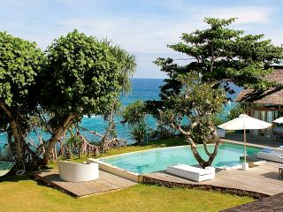 Island House - 2 bedroom absolute waterfront! - Nusa Lembongan vacation rentals