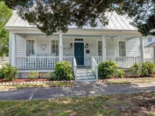 Beautiful suite in historic Beaufort, N.C. cottage - Beaufort vacation rentals