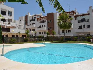 Bright apartment close to centre and beach - La Cala de Mijas vacation rentals