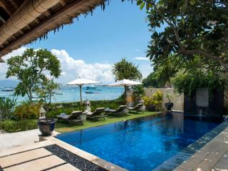 Celagi Villa right on the beach at Tamarind Bay - Nusa Lembongan vacation rentals