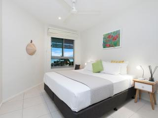Comfortable Condo with Balcony and Television - Darwin vacation rentals