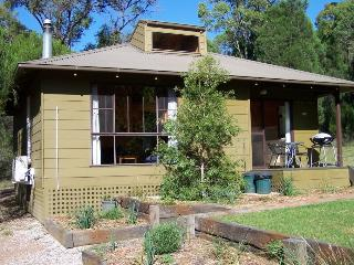 Beautiful 2 bedroom Mudgee Cottage with Deck - Mudgee vacation rentals