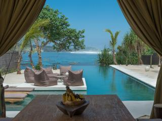 Villa Kingfisher - 2 bedrooms on the waterfront - Nusa Lembongan vacation rentals