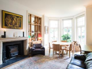 10 minutes from Hyde Park.Modern, bohemian 4 bed-Gloucester Walk. - London vacation rentals
