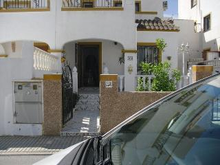 Nice House with A/C and Long Term Rentals Allowed (over 1 Month) - Playas de Orihuela vacation rentals
