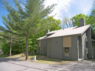 C03WU- Managed by Loon Reservation Service - NH M&R:056365/Business ID:659647 - Lincoln vacation rentals
