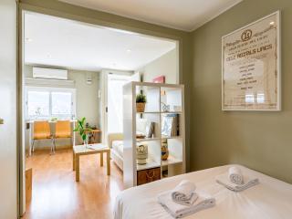 1 bedroom Condo with Short Breaks Allowed in Barcelona - Barcelona vacation rentals
