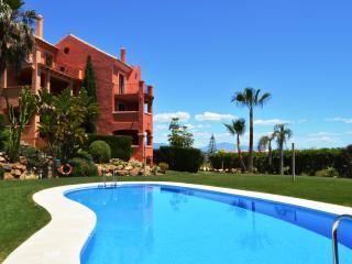 VASARI VILLAGE 3 BED 3 BATH DUPLEX APT wi fi - Puerto de la Duquesa vacation rentals