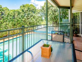 Nice House with Deck and Internet Access - Brisbane vacation rentals