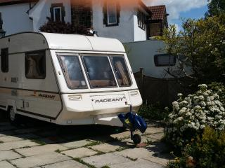 Comfortable Caravan/mobile home with Patio and Television - Guiseley vacation rentals