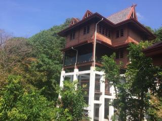 Nice House with Internet Access and A/C - Pantai Tengah vacation rentals