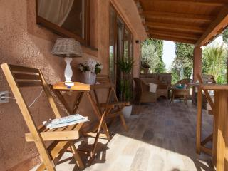 Charming villetta & beautiful garden - La Villetta - Krk vacation rentals