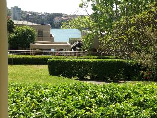 Perfect Condo with Television and Wireless Internet - Kirribilli vacation rentals