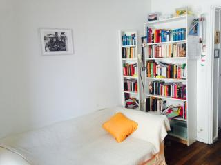 Cozy 1 bedroom Vacation Rental in Montreuil - Montreuil vacation rentals