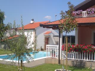 Charming 3 bedroom Medjugorje House with Internet Access - Medjugorje vacation rentals