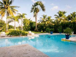 Casa de Campo 1719-Beautiful 5 bedroom villa with pool - perfect for families and groups - La Romana vacation rentals