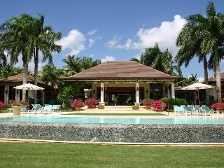 8 bedroom Villa with A/C in La Romana - La Romana vacation rentals