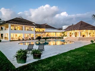 Casa de Campo 3811-Beautiful 6 bedroom villa with pool - perfect for families and groups - La Romana vacation rentals