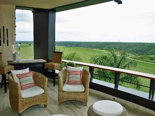 Los Altos Condo, Golfer's Paradise, Ideal for Couples & Families, Resort Pool Access - Altos Dechavon vacation rentals