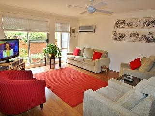 3 bedroom House with Internet Access in Chatswood - Chatswood vacation rentals