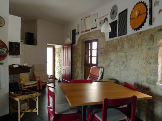 Casa Melograno - panoramica con 3 terrazze - Cuglieri vacation rentals