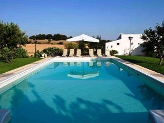6 bedroom Villa in Siracusa, Sicily, Italy : ref 2022489 - Rosolini vacation rentals