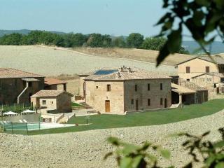 6 bedroom Villa in Siena, Tuscany, Italy : ref 2022504 - Buonconvento vacation rentals
