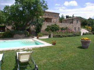 6 bedroom Villa in Siena, Tuscany, Italy : ref 2022507 - Castelnuovo Dell'abate vacation rentals