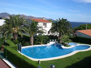 5 bedroom Villa in Llanca, Costa Brava, Spain : ref 2023053 - Llanca vacation rentals