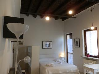 Studio 6 - Verona Journeys - Verona vacation rentals