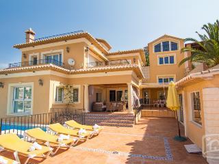 8 bedroom Villa in Calpe, Costa Blanca, Spain : ref 2031771 - Calpe vacation rentals