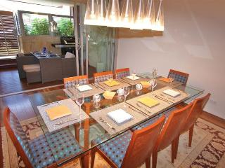 Nice Condo with A/C and Television - Vaucluse vacation rentals